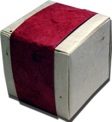Lotka Seeded Favor Box - Cranberry